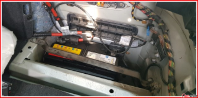 BMW_E60_520i_발전기교환_배터리연결.jpg